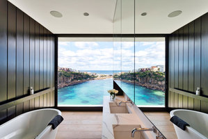 Gordon's Bay House | Detached houses | Madeleine Blanchfield Architects