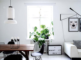 Clean & Monochromatic Helsinki Home | Wohnräume | Laura Seppänen Design Agency