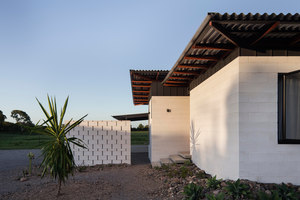 Inverdon House | Detached houses | Chloe Naughton