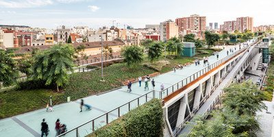 Raised gardens of Sants in Barcelona | Bahnhöfe | Sergi Godia
