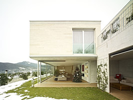 A garden with the roof | Manufacturer references | Fiemme3000 reference projects