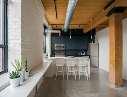 Broadview Loft | Living space | Studio AC