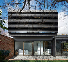Garden Wall House | Detached houses | Sarah Kahn Architect
