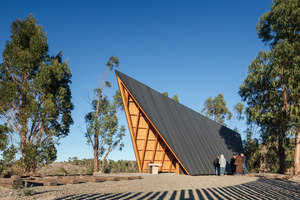 Chapel CNAE | Arquitectura religiosa / centros sociales | Plano Humano Arquitectos