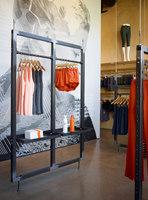 Oiselle Flagship Store | Intérieurs de magasin | goCstudio