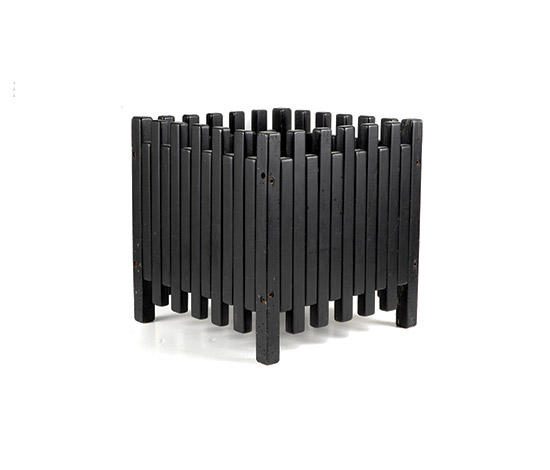 Black lacquered flower box de Boetto