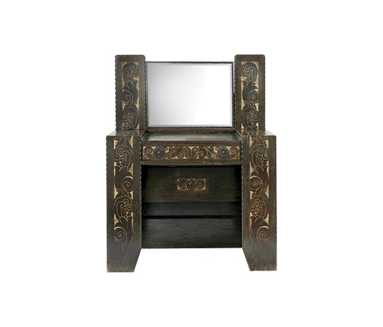 Boetto-Oak vanity with carved panels
