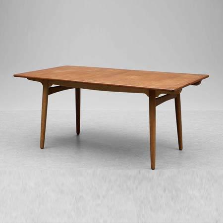 Bukowskis-Table