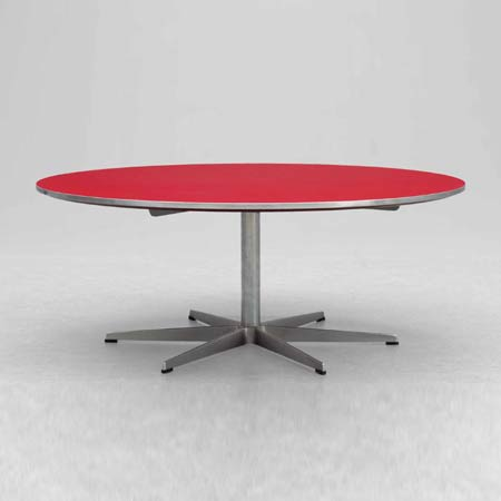 Round table, modell 3571 by Bukowskis