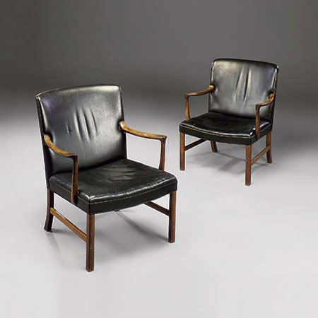Armchairs, pair di Christie`s