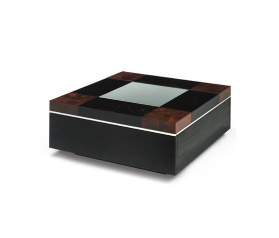 Occasional table di Christie`s