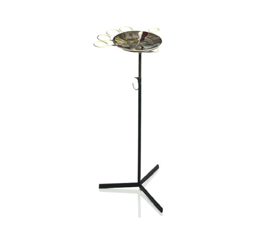 Musical instruments plate on stand