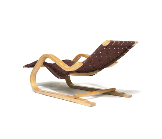 Model-39 chaise