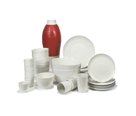 B-set dinnerware de Christie`s
