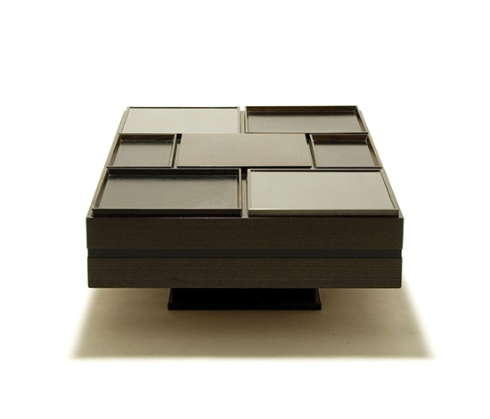 Lacquered wood coffee table with tray covers