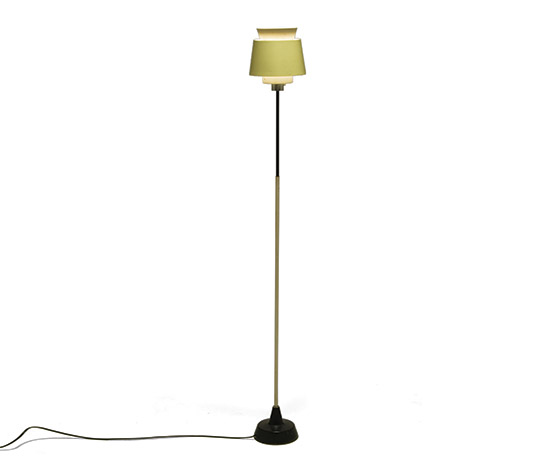 Laquered metal floorlamp
