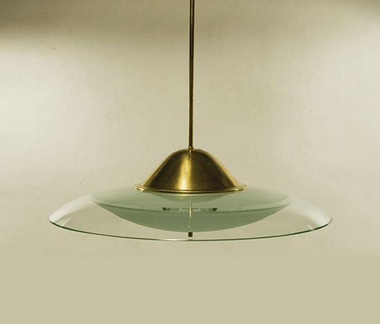 Glass pendant lamp with brass structure von Della Rocca