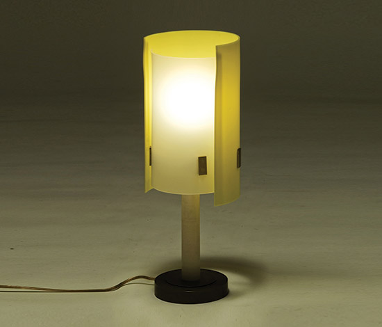 Table lamp with bronze base and metacrylate diffusor