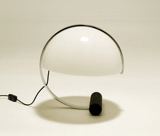 Metal and plexiglass table lamp