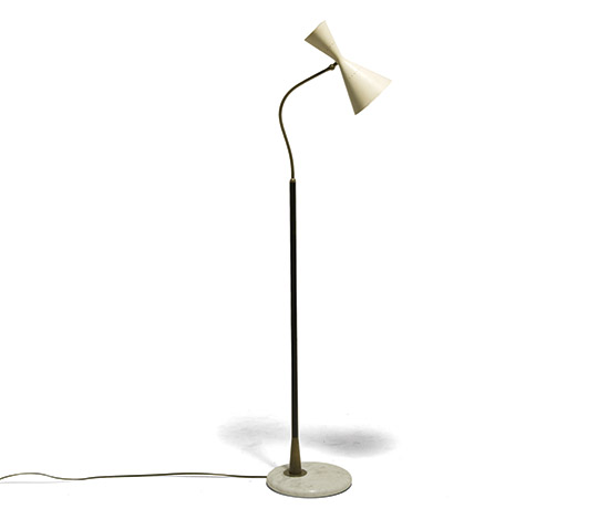 Brass, metal and lacquered alumimum floor lamp