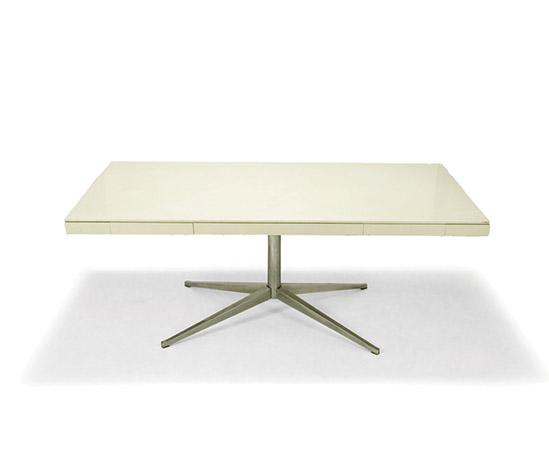 'Partners desk'
