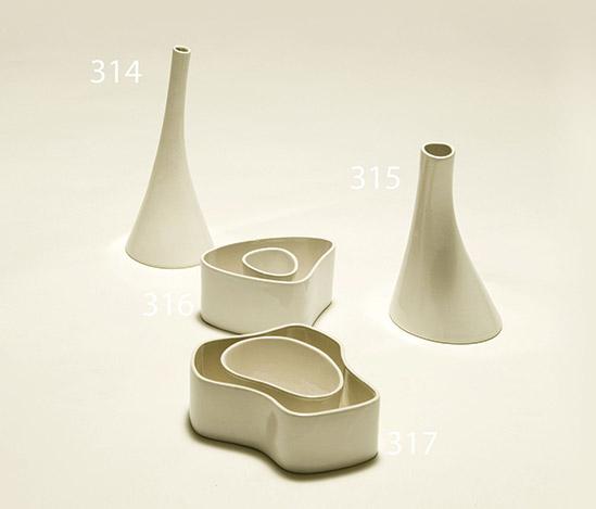 White 'ceramica di Vicenza' vase