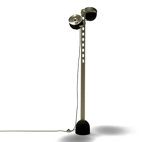 Floor lamp with orientable spotlights