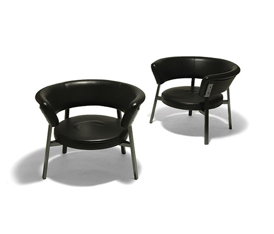 Pair of 'P28' armchairs by Della Rocca
