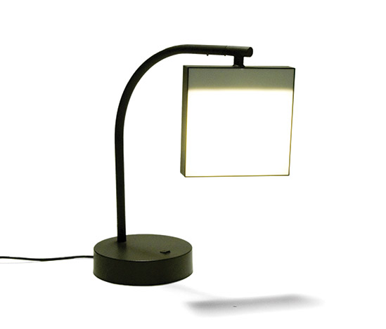 Resin table lamp von Della Rocca