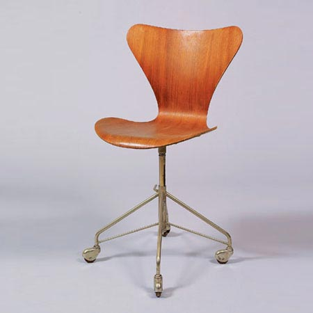 Swivel chair Model 3107