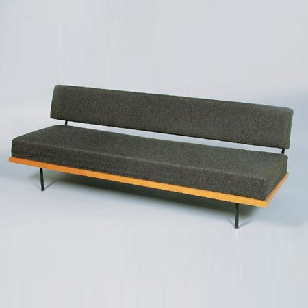 Fold-out bench