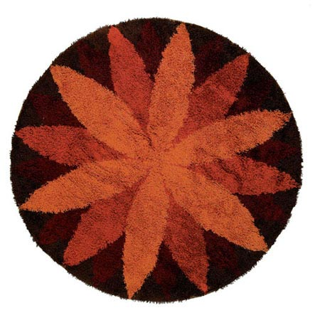 Circular Marguerite carpet