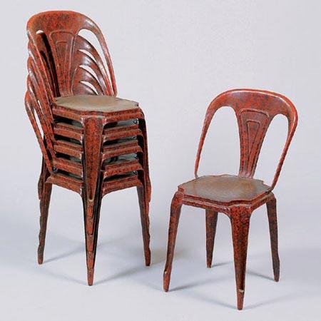 Stapelstühle (sog. Bistro-Stühle)
