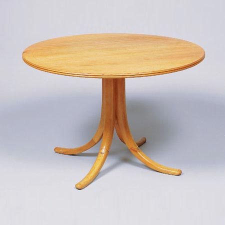 Circular table by Dorotheum