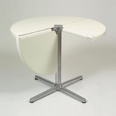 Plana folding table