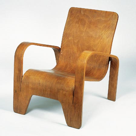 Picture gallery >> Armchair >> Dorotheum @ Architonic :  modern oak veneer simplistic copper nails