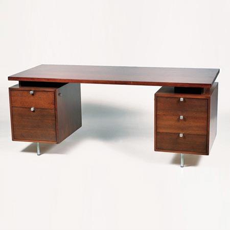 Schreibtisch