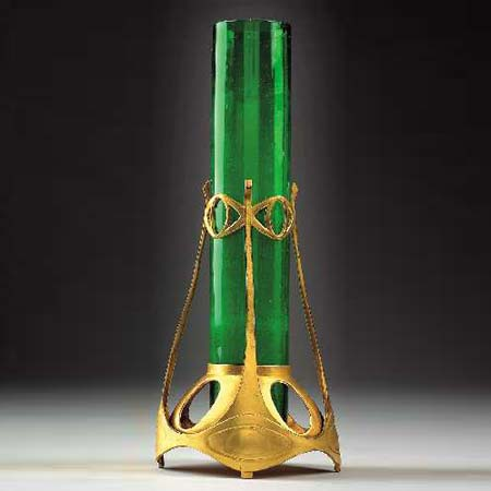 Vase mounted in gilt pewter de Dorotheum