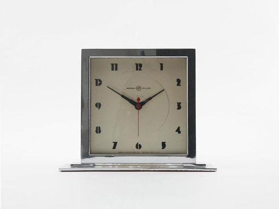 Desk clock di Los Angeles Modern Auctions