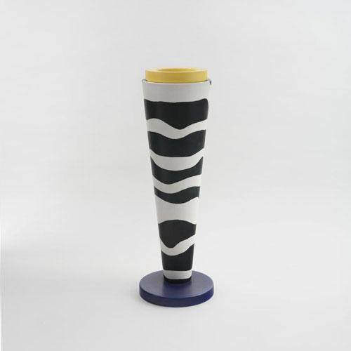 Vase de Los Angeles Modern Auctions