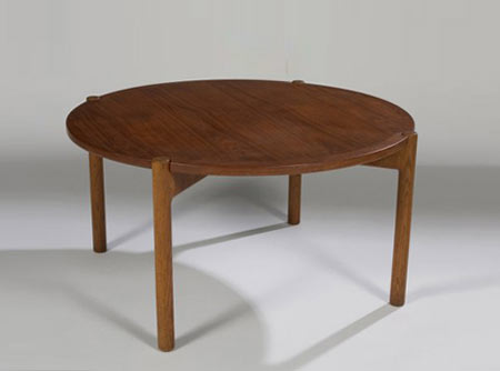 Reversible top coffee table