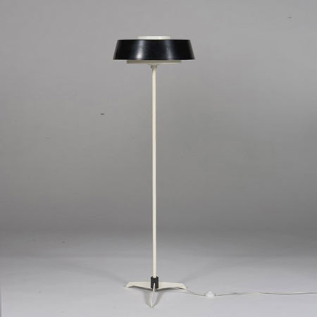 Floor lamp on tri-pod base