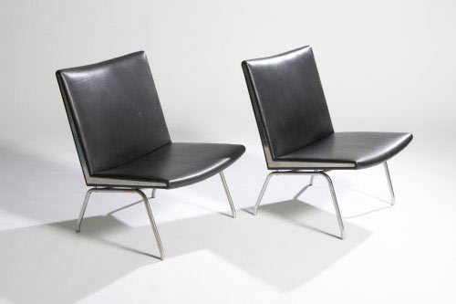 Lounge chairs (model no. AP 40) pair