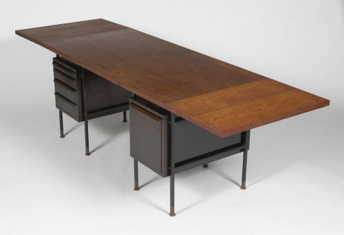 Drop leaf desk, model 5265 von Los Angeles Modern Auctions