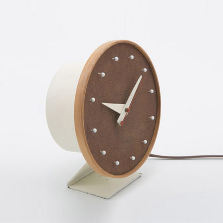 Pin clock, model 4772 von Los Angeles Modern Auctions