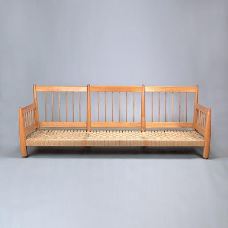 Dreisitziges Sofa