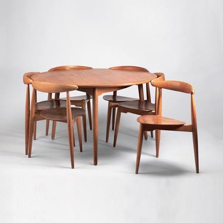 Quittenbaum Auktionshaus Tisch mit sechs...