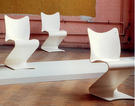"Six ""S-chairs,"" model no. 275 de Phillips"