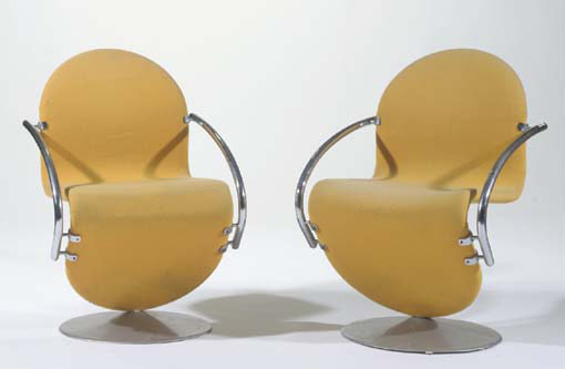 Christie`s-Pair of 1-2-3 Chairs