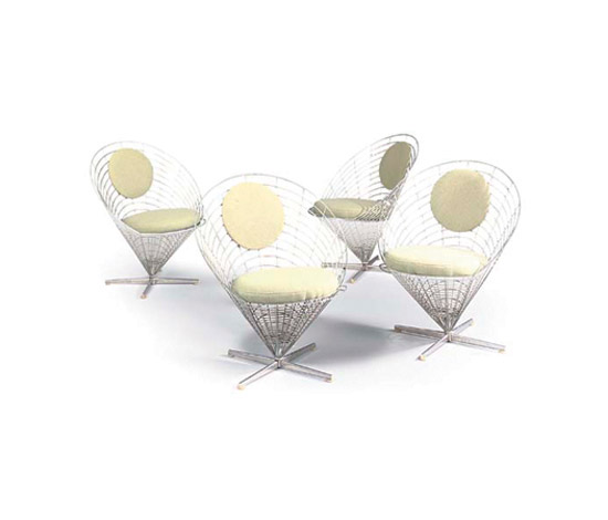"Set of four ""Wire Cone"" pivoting chairs"